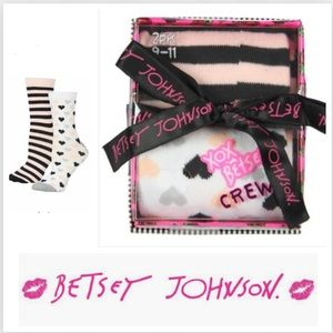🆕 Betsey Johnson Boxed Crew Socks